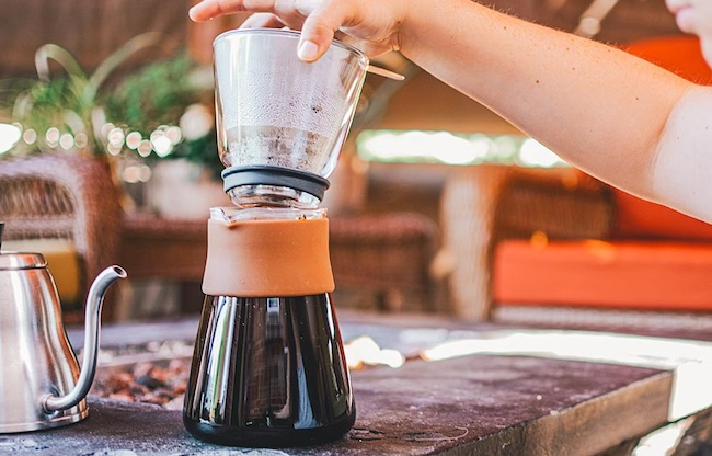 how to use a pour over coffee maker